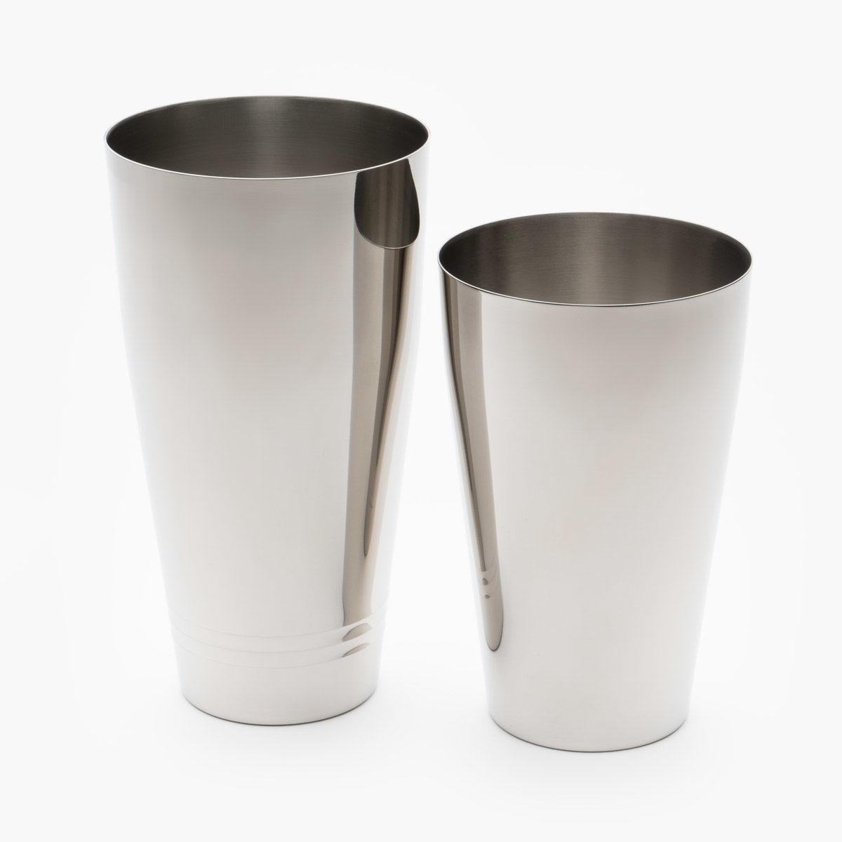 Yukiwa Boston shaker tins in silver